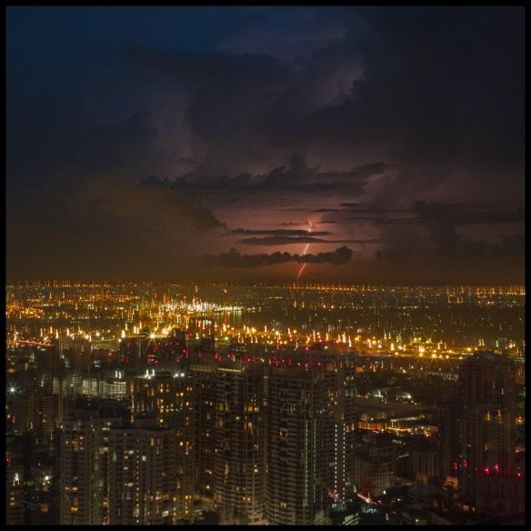 LightningB4Sunrise2Col.jpg