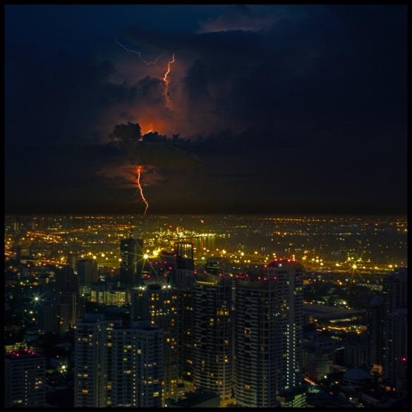LightningB4SunriseCol.jpg