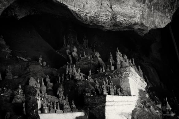 buddhacave1
